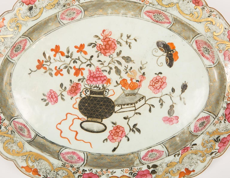 Chinese Export Large Antique Chinese Porcelain Platter Qing Dynasty,  Mid 19th Century For Sale