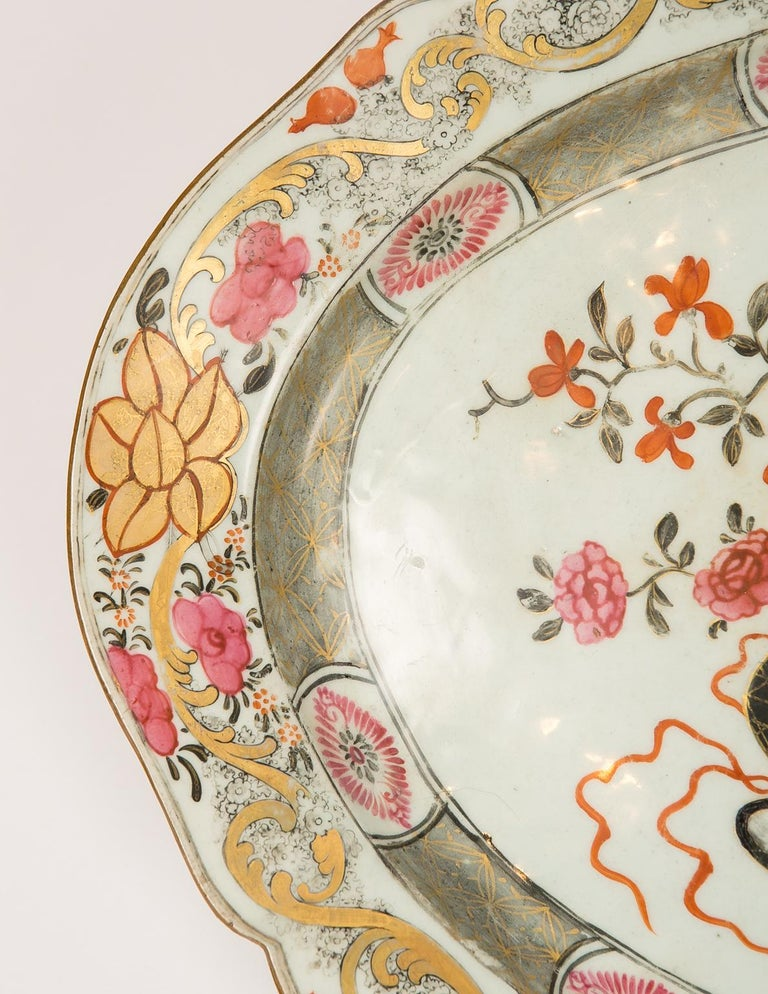 Large Antique Chinese Porcelain Platter Qing Dynasty,  Mid 19th Century For Sale 3