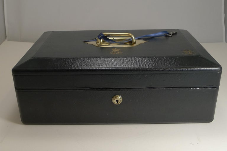High Victorian Large Antique English Morocco Leather Despatch / Dispatch Box by Wickwar, London For Sale