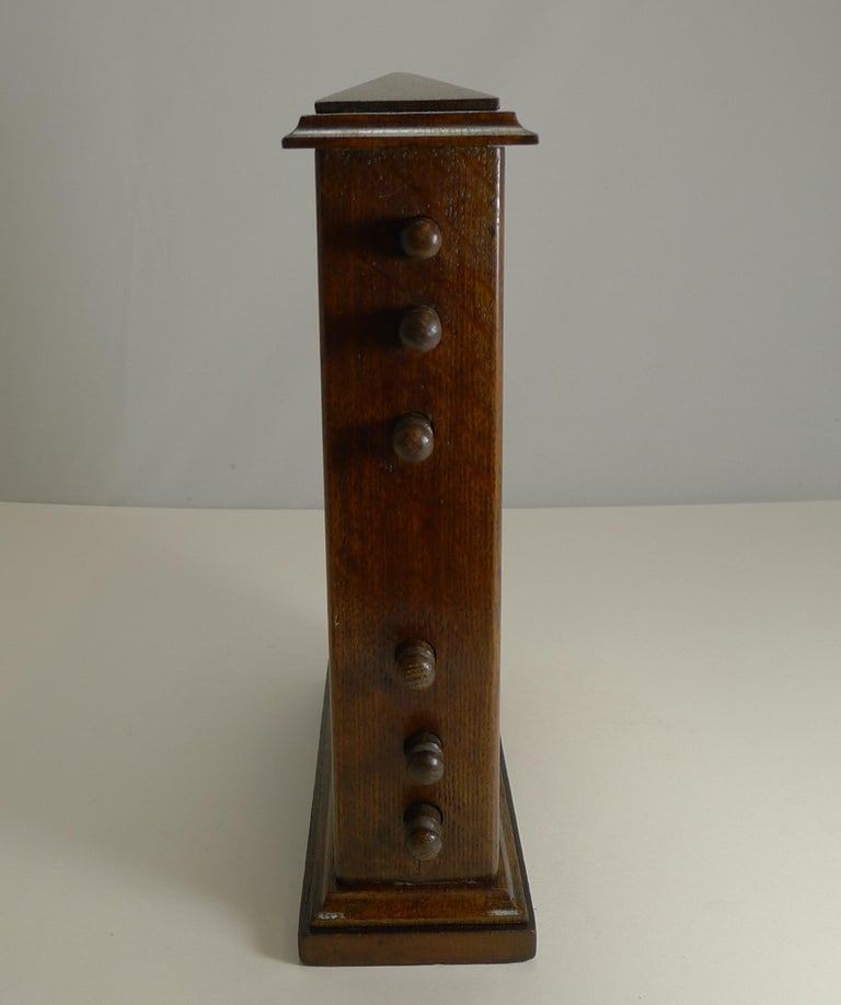 Large Antique English Oak Perpetual Desk Calendar, circa 1900 In Good Condition For Sale In London, GB