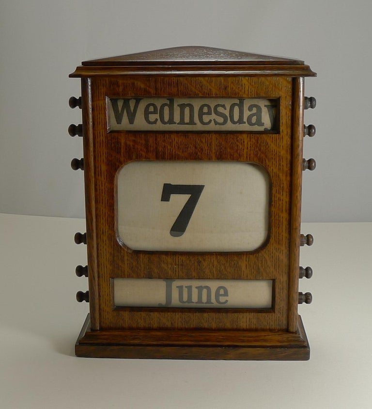 Large Antique English Oak Perpetual Desk Calendar, circa 1900 For Sale 3