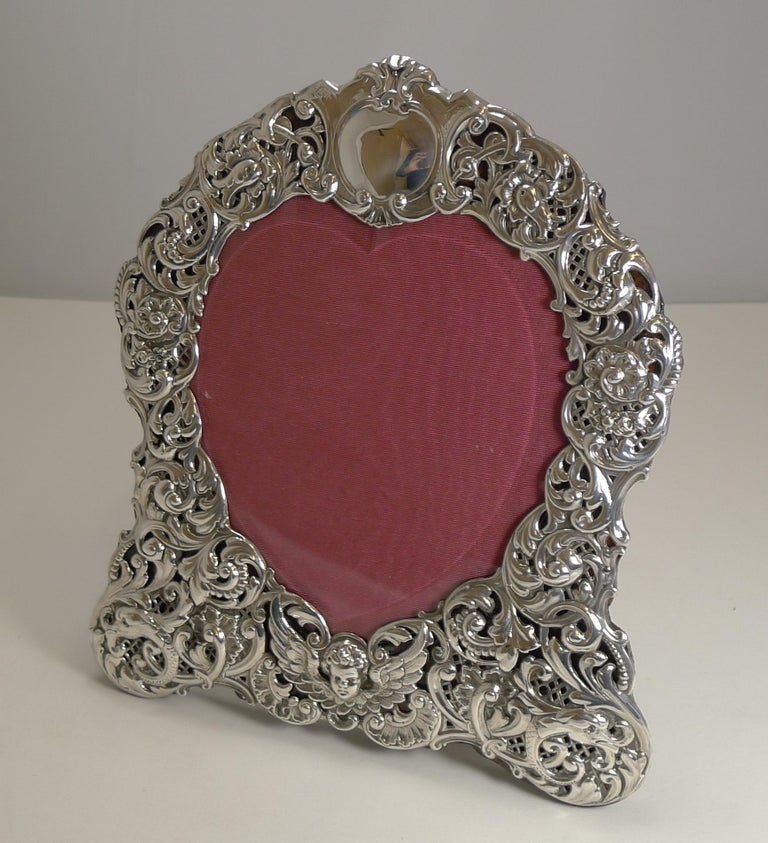Late Victorian Large Antique English Sterling Silver Photograph/Picture Frame - Heart - 1898 For Sale