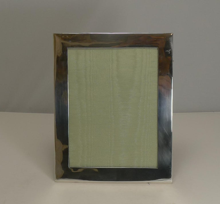 Edwardian Large Antique English Sterling Silver Picture Frame by Mappin Brothers, 1905 For Sale