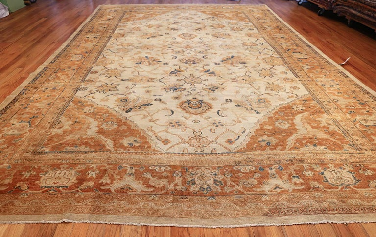 Large Antique Ivory Background Persian Sultanabad Rug. Size: 11' 10