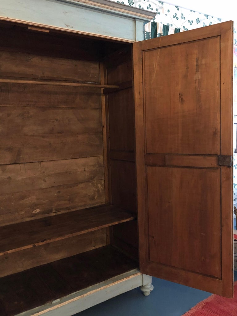 Large Antique Lombardian Cabinet in Painted Solid Larch Wood, 1840s For Sale 7