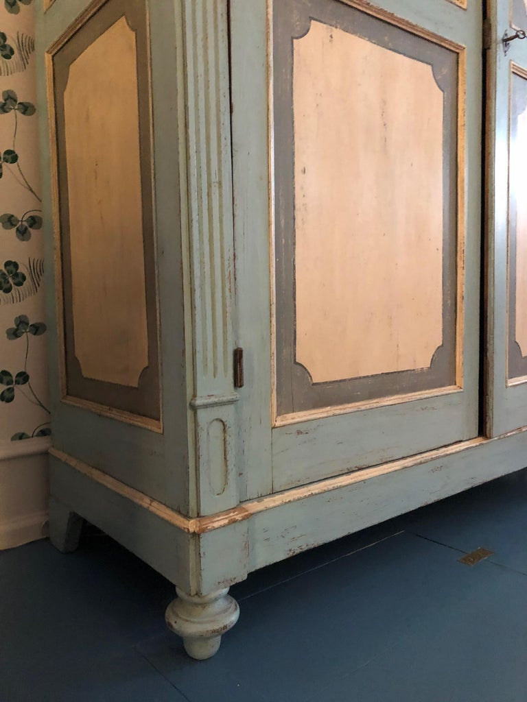 Mid-19th Century Large Antique Lombardian Cabinet in Painted Solid Larch Wood, 1840s For Sale