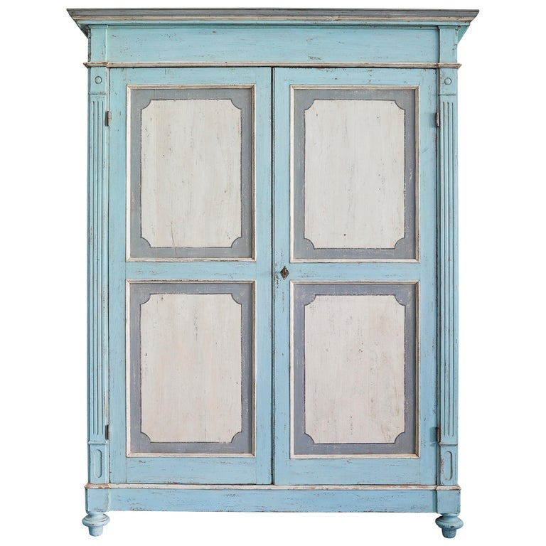 Large Antique Lombardian Cabinet in Painted Solid Larch Wood, 1840s For Sale