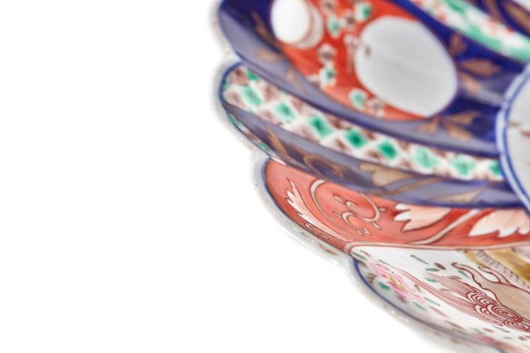 European Large Antique Scalloped Edge Japanese Imari Porcelain Dish For Sale