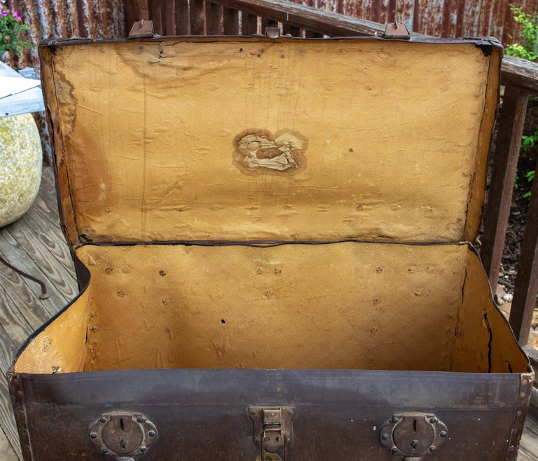 Large Antique Spanish Leather Trunk Made by Absil For Sale 8