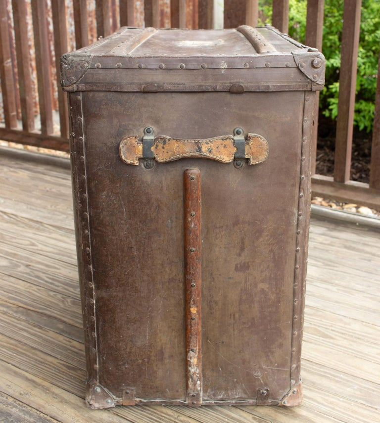 Large Antique Spanish Leather Trunk Made by Absil For Sale 10