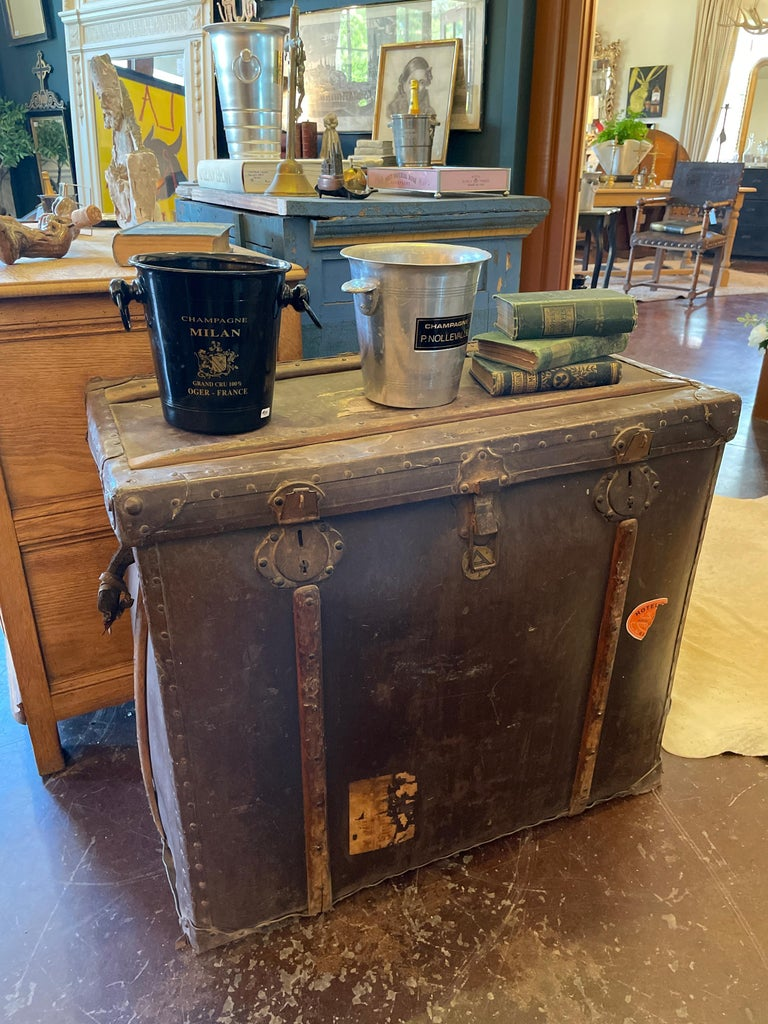 Large Antique Spanish Leather Trunk Made by Absil For Sale 15