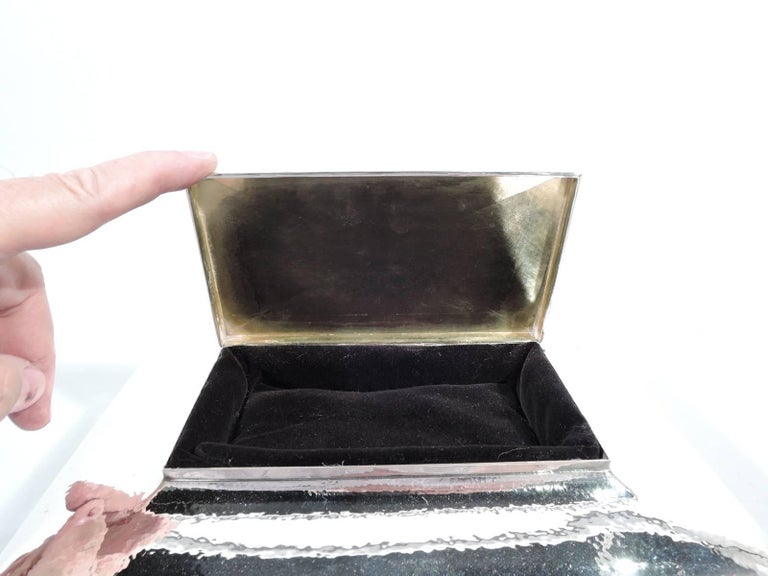 Large Antique Tiffany Co Hand Hammered Sterling Silver Jewelry Box In Excellent Condition