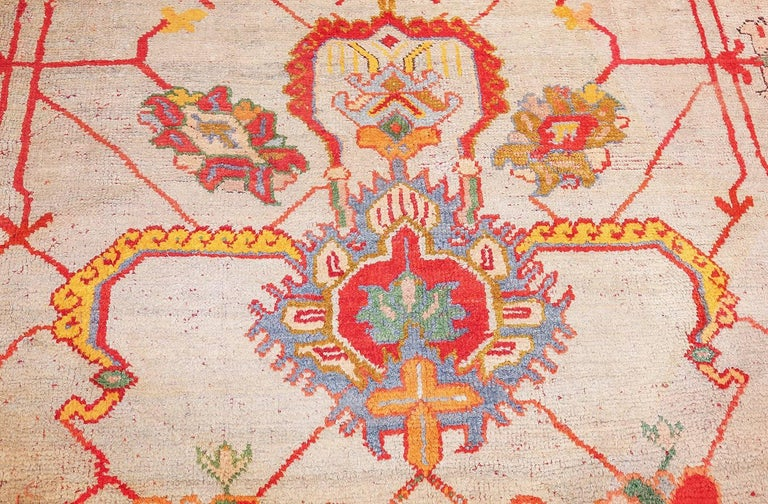 Wool Large Antique Turkish Oushak Rug. Size: 14 ft 2 in x 19 ft (4.32 m x 5.79 m) For Sale