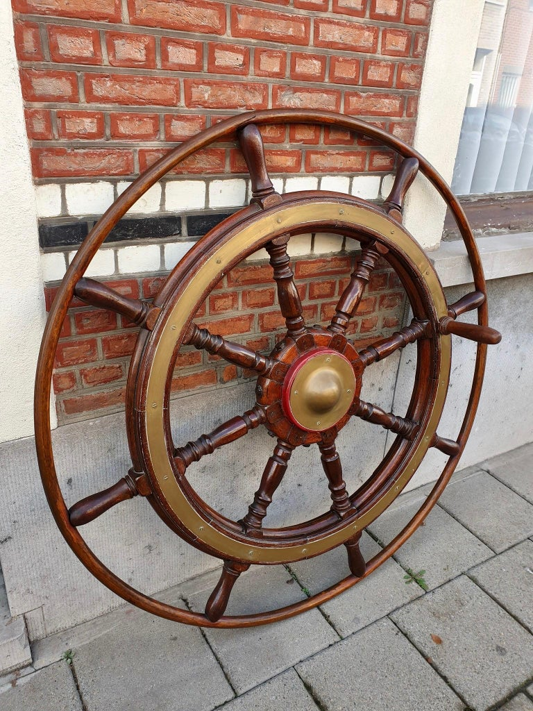 Large Antique Victorian Eight Spoke Mahogany and Brass Ships Steering Wheel For Sale 2