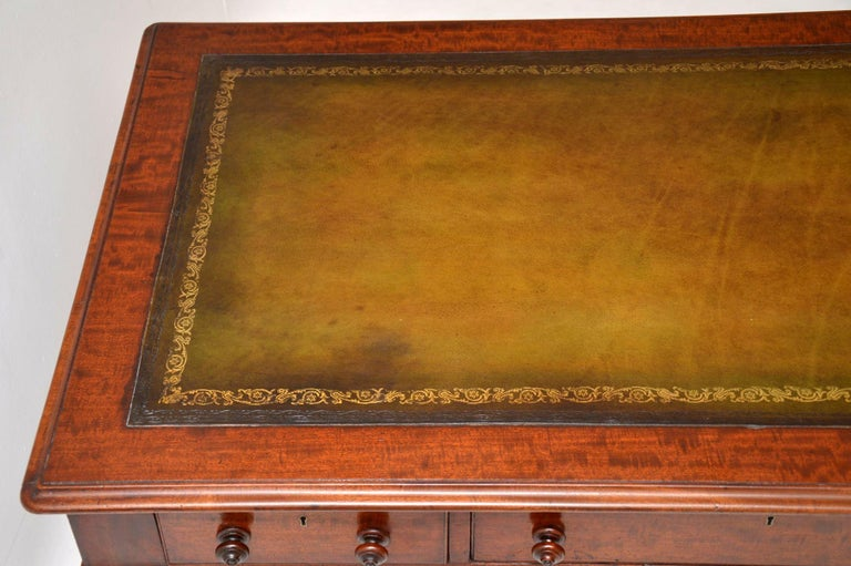 Mid-19th Century Large Antique William IV Mahogany Leather Top Writing Table or Desk For Sale