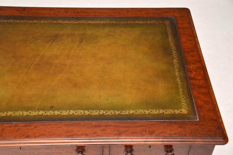 Large Antique William IV Mahogany Leather Top Writing Table or Desk For Sale 1