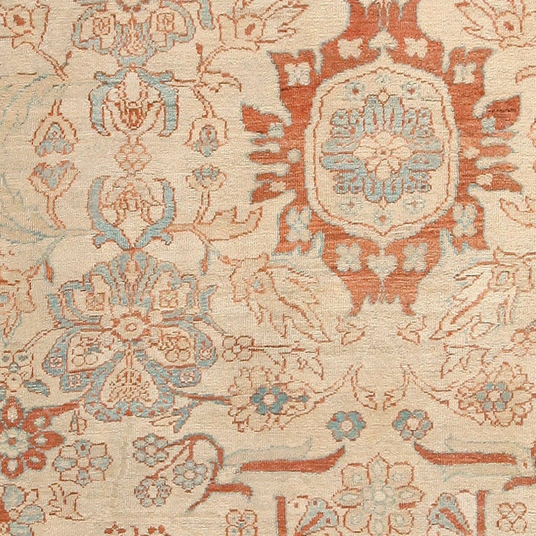 Large antique Persian Ziegler Sultanabad rug, country of origin: Persia, date circa late 19th century – Size: 14 ft 5 in x 22 ft 3 in (4.39 m x 6.78 m)  This elegant antique Ziegler carpet showcases the versatile proportions, stunning