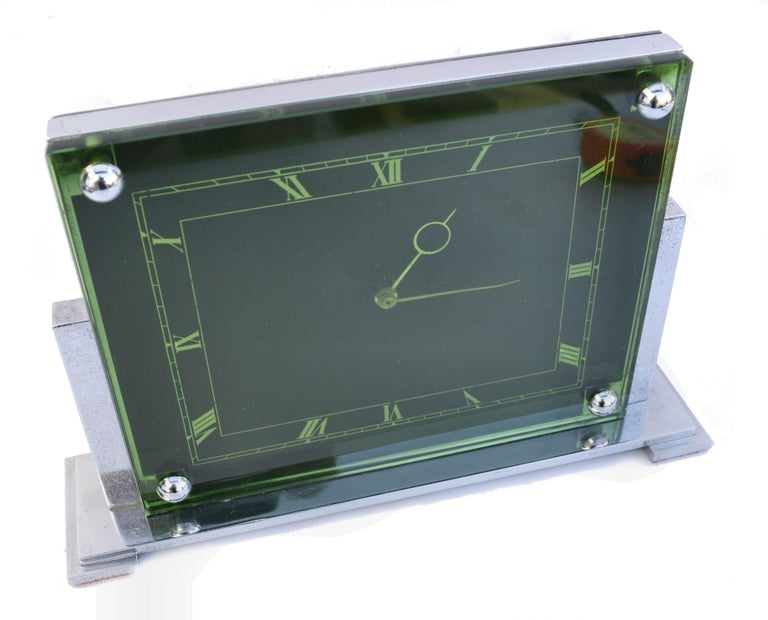 Large Art Deco 8 Day Modernist Green Glass Mantle Clock, c1930 In Good Condition For Sale In Devon, England