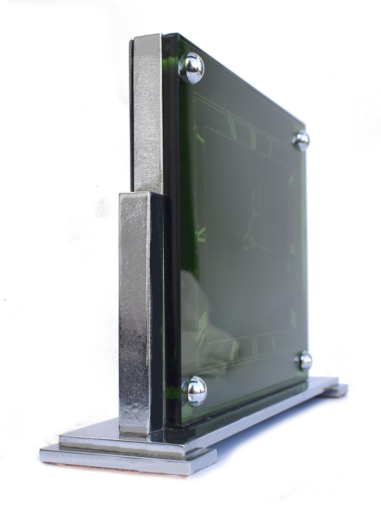Large Art Deco 8 Day Modernist Green Glass Mantle Clock, c1930 For Sale 1