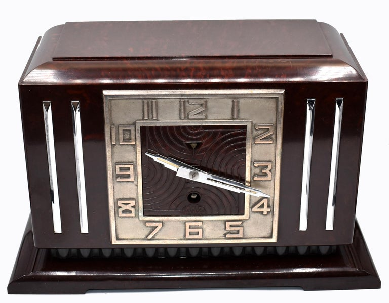 Large Art Deco French Bakelite Mantle Clock by JAZ, circa 1930s For Sale 7
