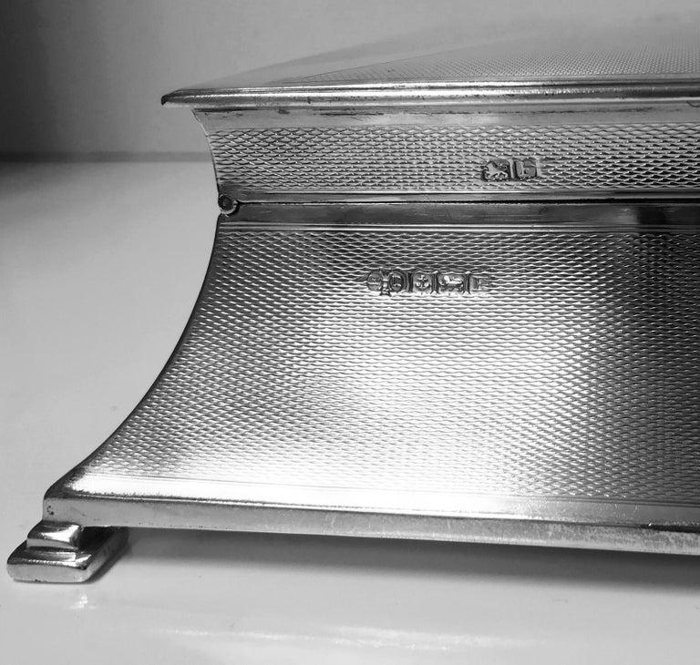 20th Century Large Art Deco Silver Box, Birmingham 1930 William Hutton & Sons. For Sale