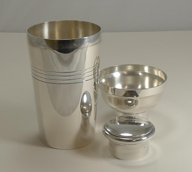Large Art Deco Silver Plated Cocktail Shaker, French by Lancel Paris circa 1930s For Sale 3