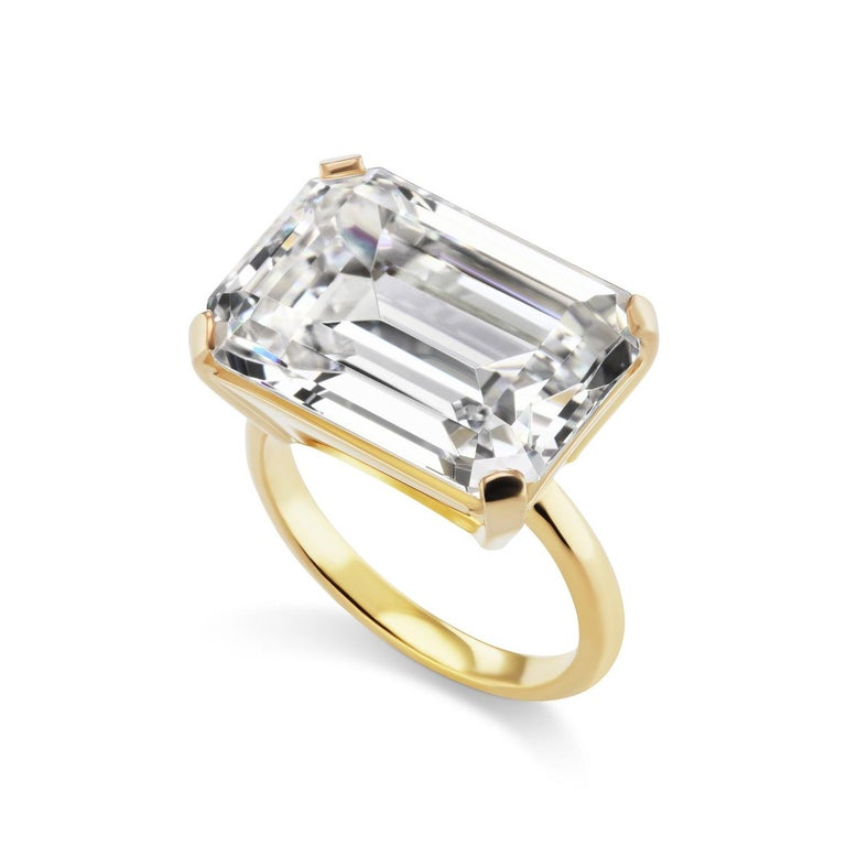 Large Art Deco Style Emerald Cut 15 Carat Cubic Zirconia Vermeil Sterling Ring In New Condition For Sale In New York, NY