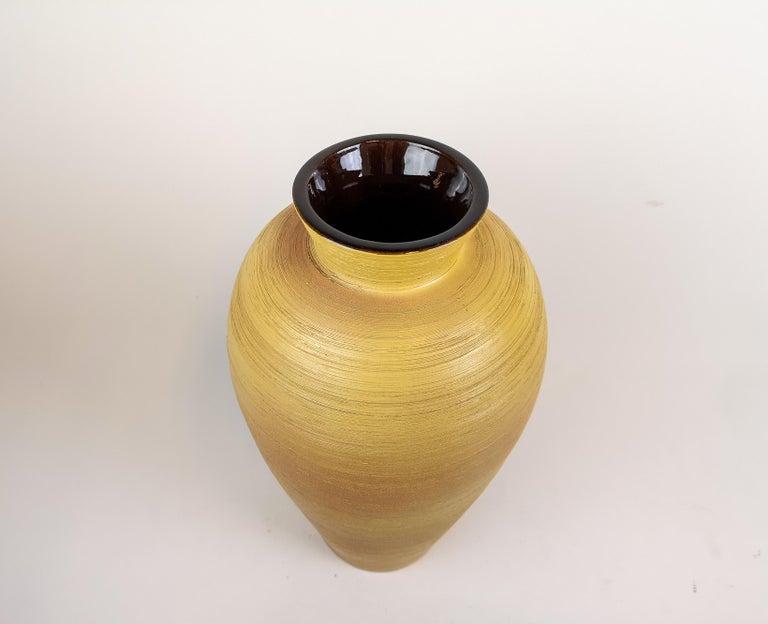 Large Art Deco Vase by Upsala Ekeby Sweden 1940s In Good Condition For Sale In Langserud, SE