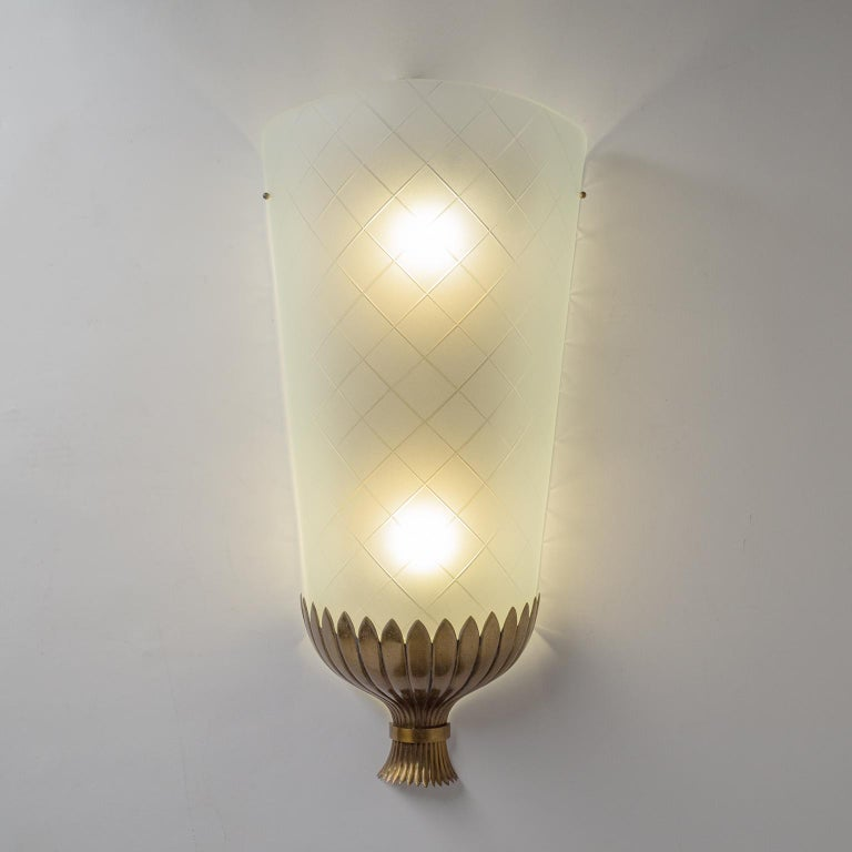 Frosted Large Art Deco Wall Light, 1930s, Brass and Cut Glass For Sale