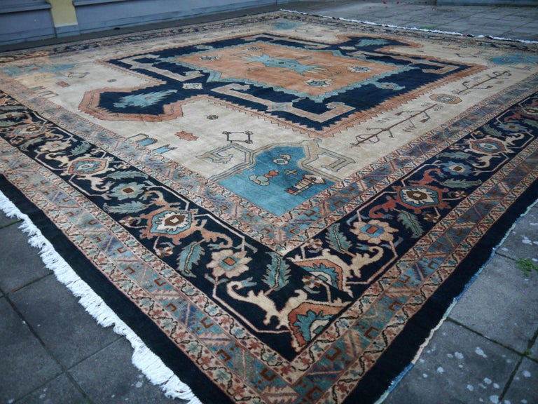 Large Azeri Heriz Rug Oversized Persian Bakhshaish Style Hand Knotted In Excellent Condition For Sale In Lohr, Bavaria, DE