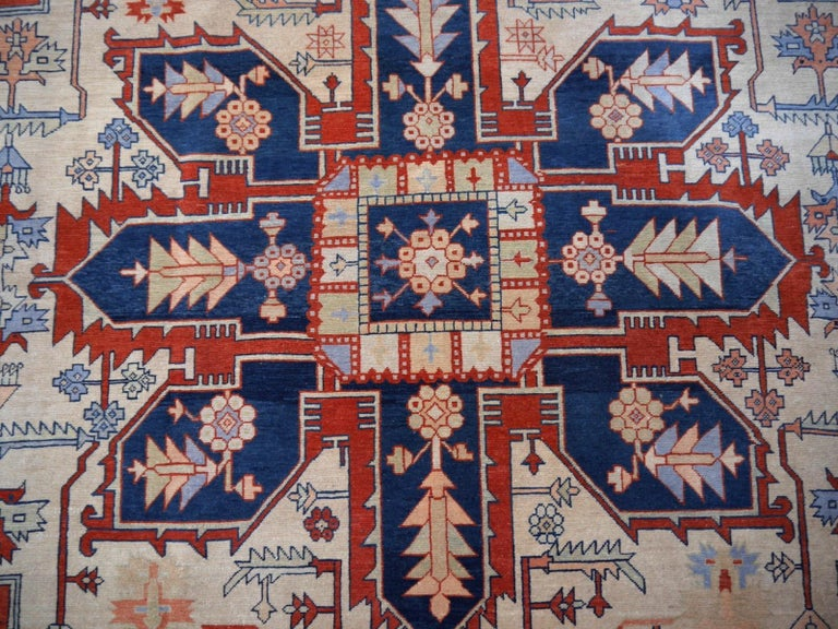 Large Azeri Heriz Rug Oversized Persian Serapi Style, Hand Knotted For Sale 5