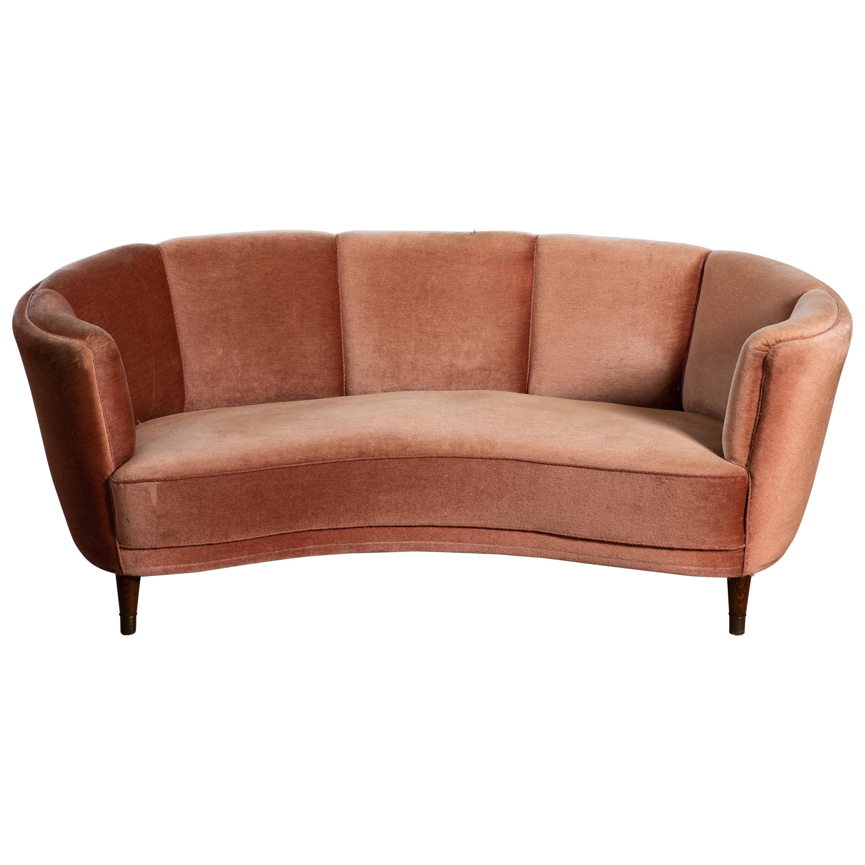 Large Banana Form Curved Sofa in Pink Velvet Denmark, 1940s