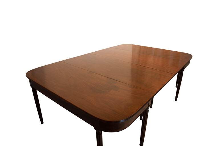 Large Banquet Size Drop Leaf Mahogany Dining Table, Early 19th Century For Sale 6