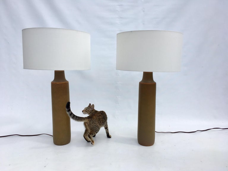 Large Beautiful Ceramic Tables Lamps with Shades, USA, 1950s In Good Condition For Sale In Miami, FL