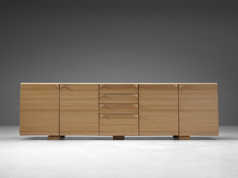Large Belgian Sideboard in Oak with Folded Handles In Good Condition For Sale In Waalwijk, NL