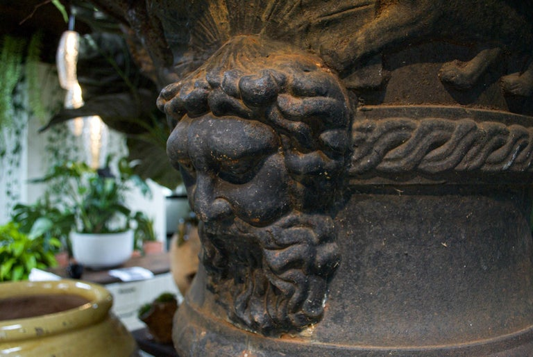 Large Belle Époque Cast Iron Urn In Good Condition For Sale In Bloomfield Hills, MI