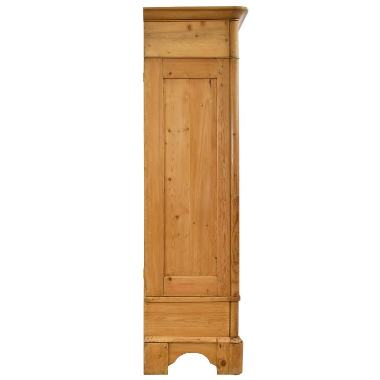 Biedermeier Inspired Scrubbed Pine Armoire from Northern Germany, circa 1820 For Sale 6