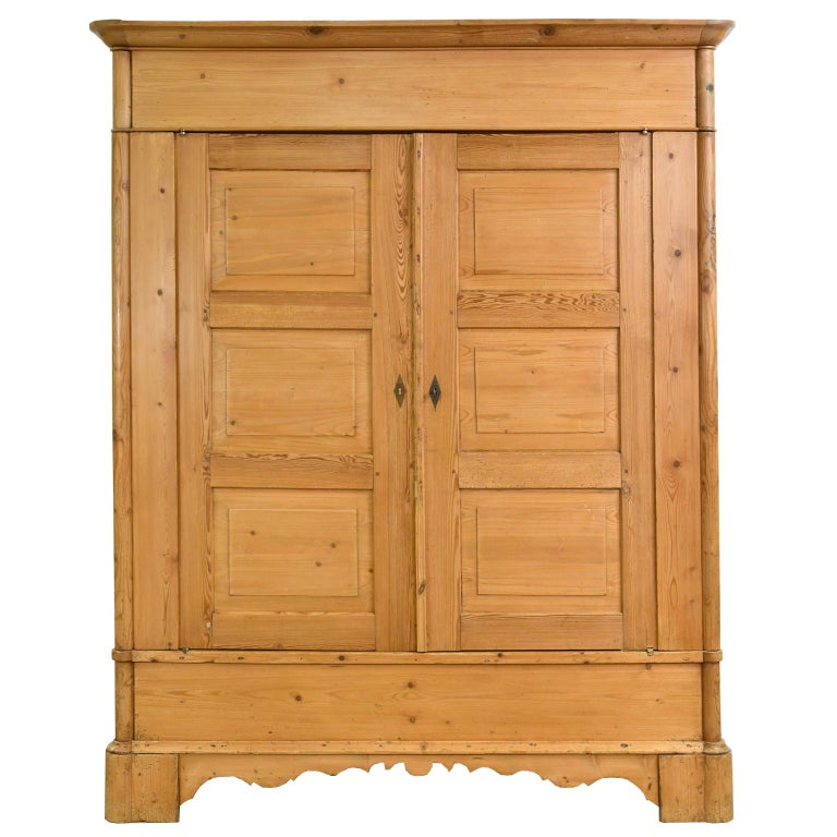 Biedermeier Inspired Scrubbed Pine Armoire from Northern Germany, circa 1820 For Sale 9