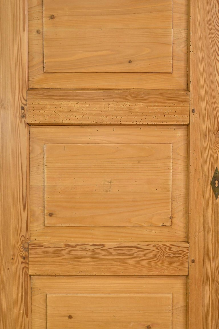 Biedermeier Inspired Scrubbed Pine Armoire from Northern Germany, circa 1820 For Sale 15
