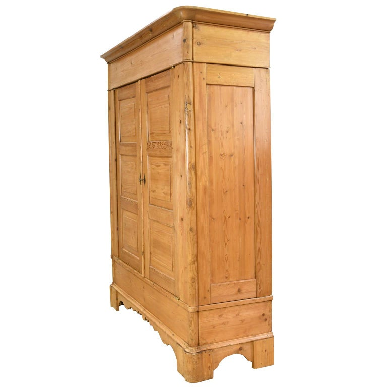 Early 19th Century Biedermeier Inspired Scrubbed Pine Armoire from Northern Germany, circa 1820 For Sale