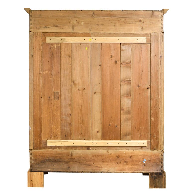 Biedermeier Inspired Scrubbed Pine Armoire from Northern Germany, circa 1820 For Sale 4