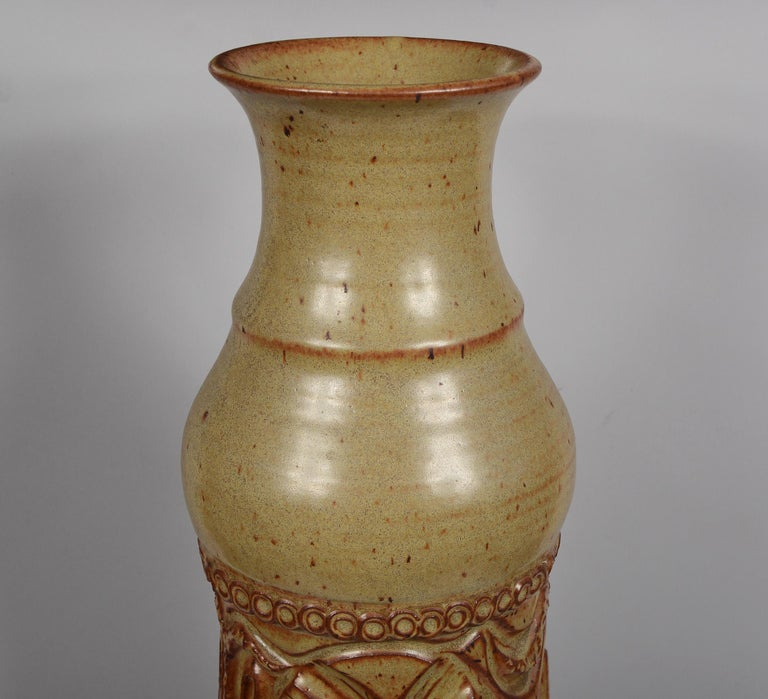 Large Bill and June Vaughn Ceramic Floor Vase In Good Condition For Sale In San Mateo, CA