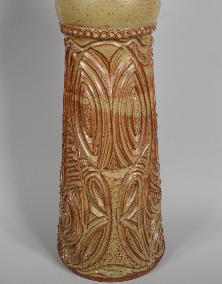 Late 20th Century Large Bill and June Vaughn Ceramic Floor Vase For Sale