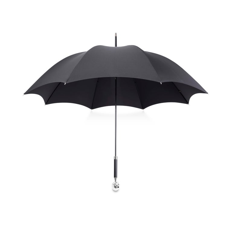 Contemporary Deakin & Francis Large Black Umbrella with Skull Head Handle For Sale