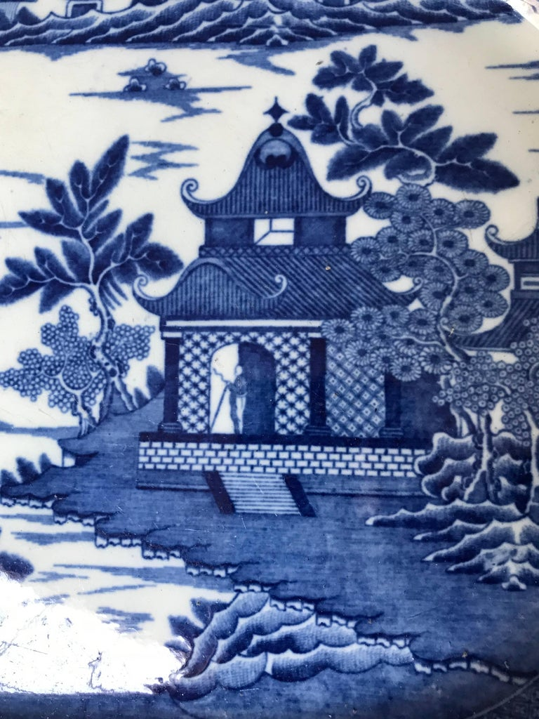 Large Blue and White Chinoiserie Platter In Excellent Condition For Sale In New York, NY