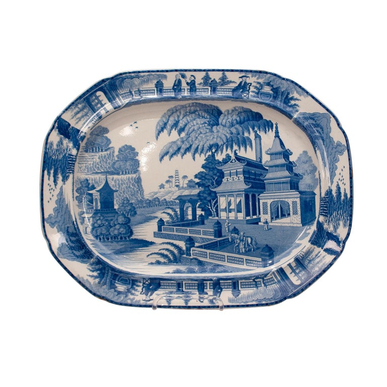 Large Blue and White Platter in the Chinese Style, England, circa 1820 For Sale