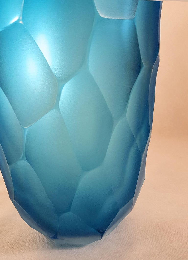Large Blue Faceted Murano Glass Vase, Mid Modern by Simone Cenedese, 1980s In Excellent Condition For Sale In Dallas, TX