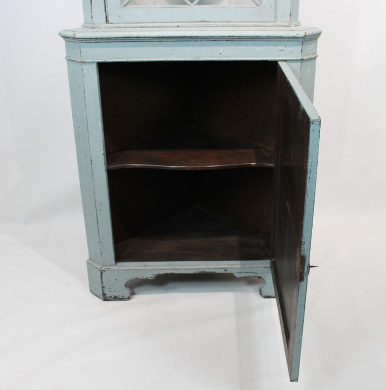 Large Blue Painted Gustavian Corner Cabinet from the 1880s For Sale 5