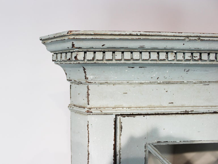 Large Blue Painted Gustavian Corner Cabinet from the 1880s In Good Condition For Sale In Lejre, DK