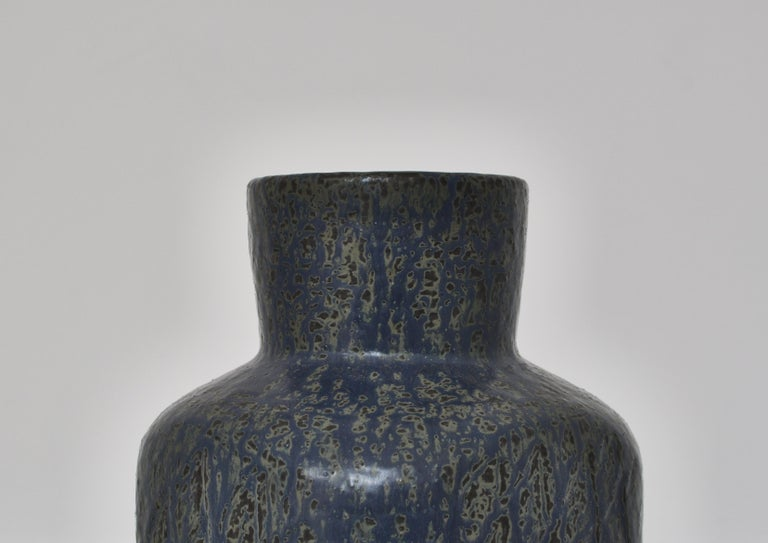 Large Blue Saxbo Stoneware Vase by Eva Stæhr Nielsen, 1960s Danish Modern In Excellent Condition For Sale In Odense, DK